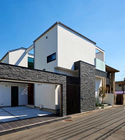 シンプルモダンの外観: TERAJIMA ARCHITECTSが手掛けた家です。