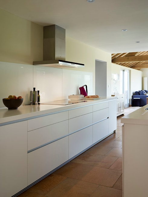 bulthaup b1 kitchen in Barn Conversion: modern Kitchen by hobsons choice
