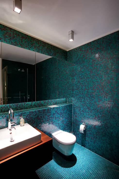 Casas de banho minimalistas por hmarchitekten