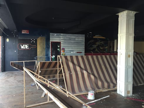 interior del espacio antes de la remodelación:  de estilo  por TIKUS MEXICO