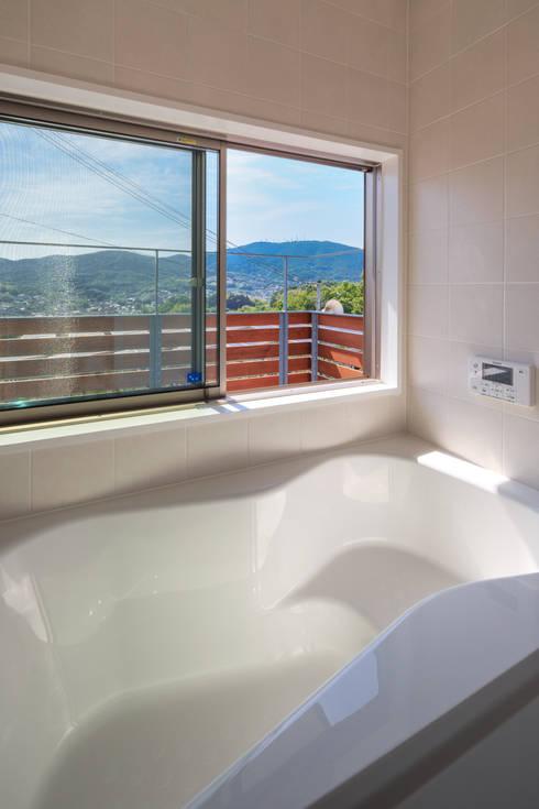 浴室: 建築工房 at easeが手掛けた浴室です。