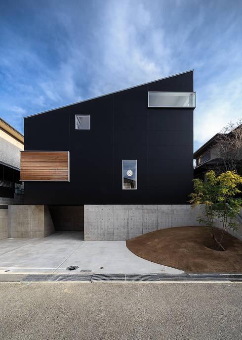 Maisons de style  par 一級建築士事務所haus