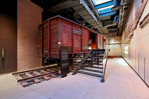 Museo Memoria y Tolereancia: Museos de estilo  por Arditti arquitectos