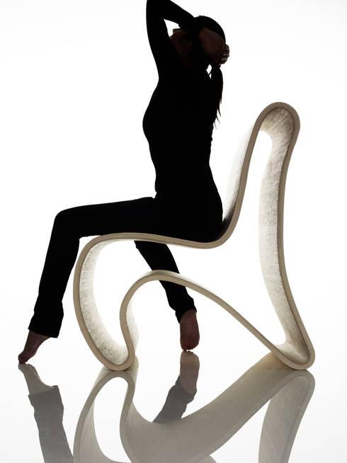 Curved (ch)air:  Multimedia ruimte door Nick Ronde Ontwerpen