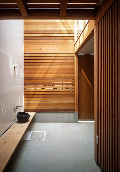 ムギカライエ: 緒方幸樹建築設計事務所が手掛けた庭です。