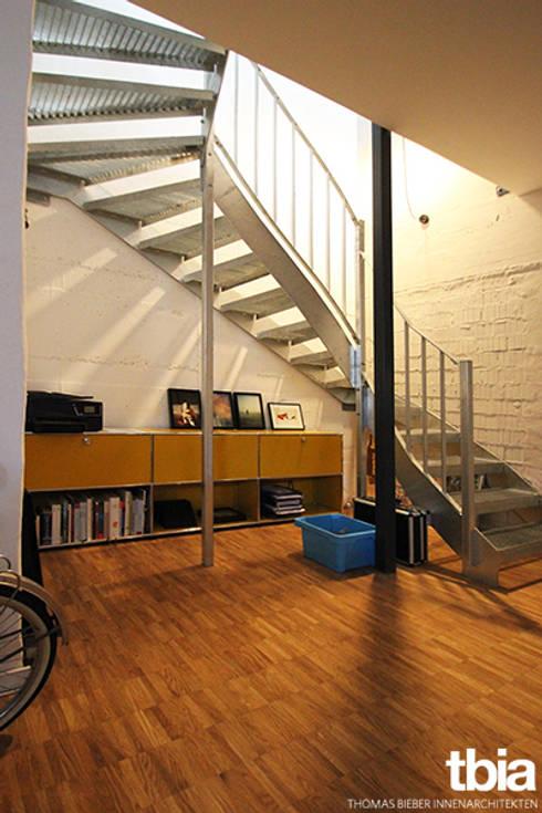 Corridor & hallway by tbia - Thomas Bieber InnenArchitekten