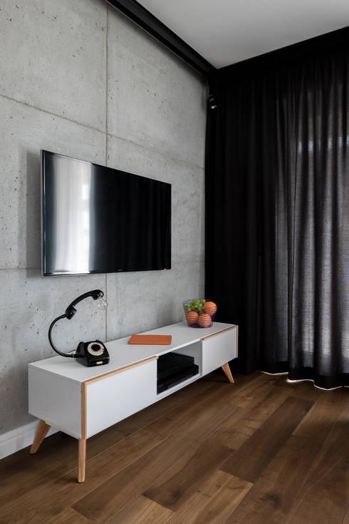 غرفة المعيشة تنفيذ Jacek Tryc-wnętrza