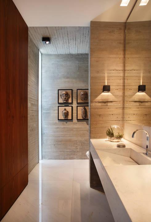 BC Arquitetos 의  욕실