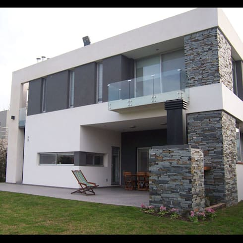 Vivienda en Finca de Iraola I: Casas de estilo moderno por Gabellini-Rey