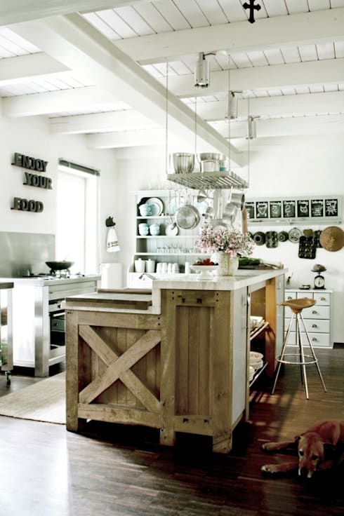 colonial Kitchen by raphaeldesign
