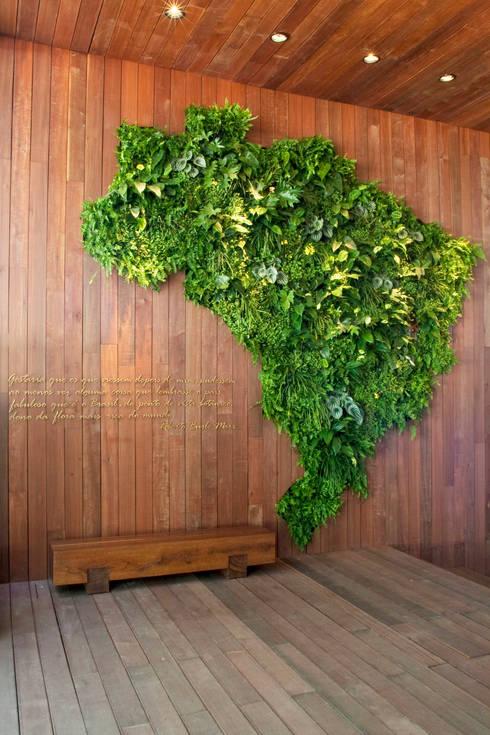 por Quadro Vivo Urban Garden Roof & Vertical