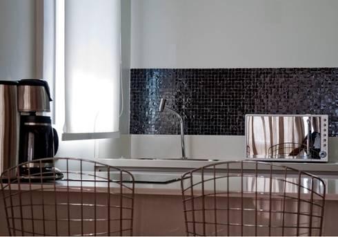 Apartamento jovem solteira Vila Madalena: Cozinhas modernas por Spazhio Croce Interiores