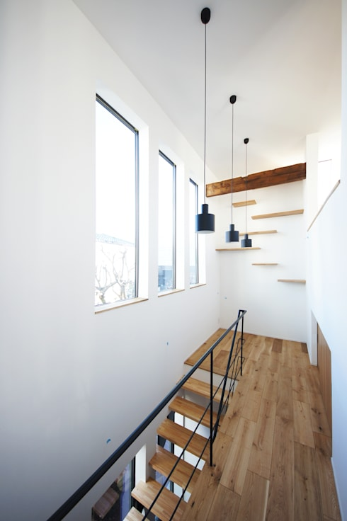 Pasillos y recibidores de estilo  por TERAJIMA ARCHITECTS