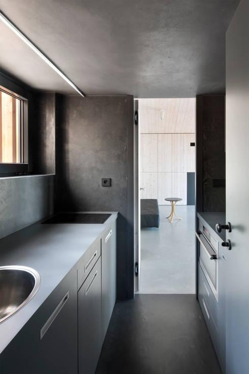 Cocinas de estilo  por FAM Architekti