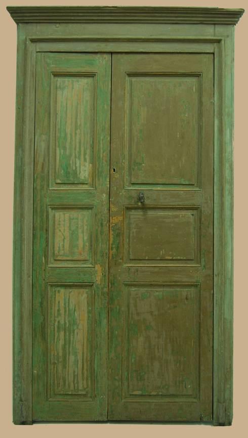 Ventanas y puertas de estilo  por Porte del Passato