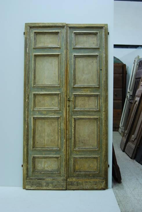 Puertas y ventanas de estilo rústico de Porte del Passato