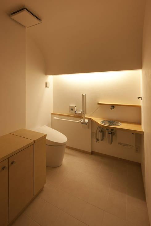 トイレ: ATS造家設計事務所が手掛けた浴室です。