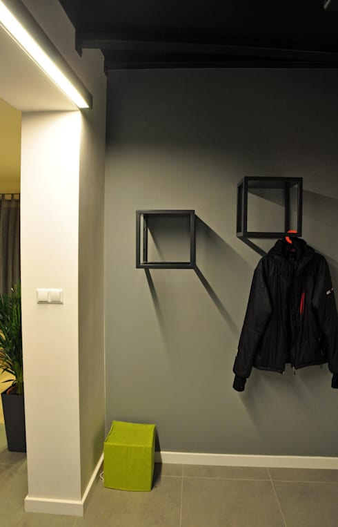Dom w Poznaniu: styl , w kategorii Korytarz, przedpokój zaprojektowany przez AWUU