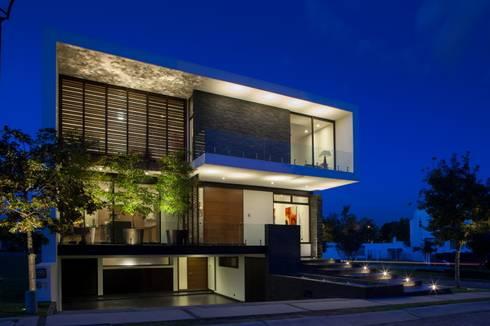 Casa gm de glr arquitectos homify - Arquitectos casas modernas ...