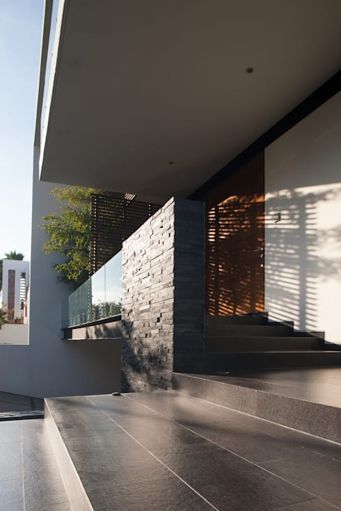 Rumah by GLR Arquitectos
