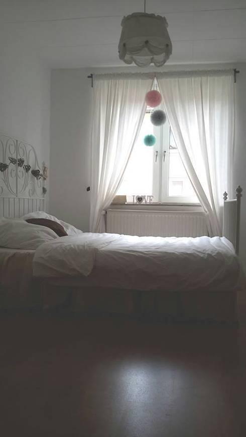 POMPONY TIULOWE, DEKORACJA WNĘTRZ : styl , w kategorii Sypialnia zaprojektowany przez CHIC POM