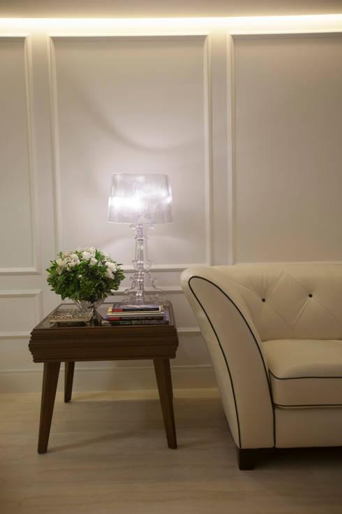 Projeto: Salas de estar minimalistas por Leonardo Maia Arquitetos