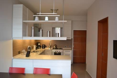 Cocina Contemporanea: Cocinas de estilo moderno por Campbell-Arquitectura