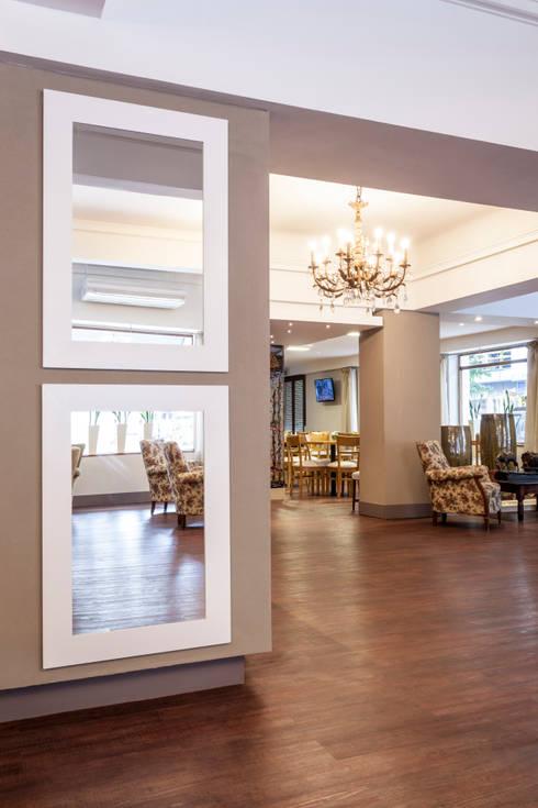 HOTEL EN MAR DEL PLATA: Hoteles de estilo  por Estudio Arqt