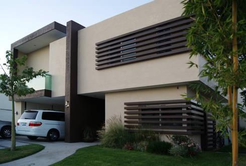 Casa SP: Casas de estilo minimalista por Taller Habitat Arquitectos