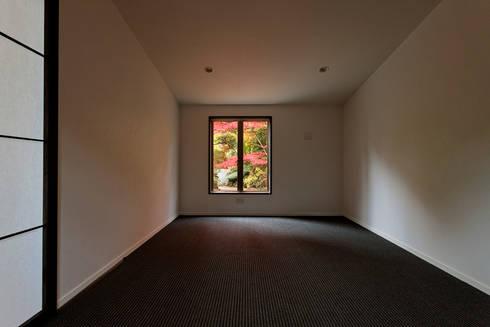 応接室: 清正崇建築設計スタジオが手掛けた和室です。
