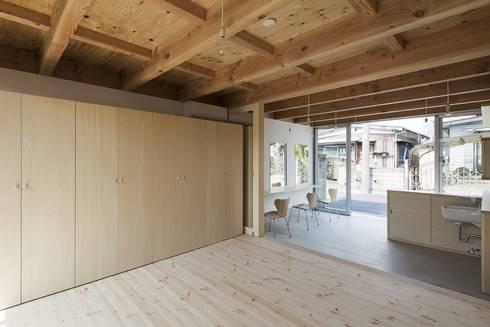 木箱の家: すずきが手掛けた寝室です。