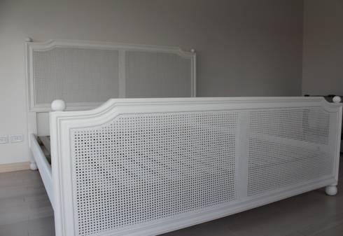 cama de esterilla: Dormitorios de estilo escandinavo por BAIRES GREEN MUEBLES