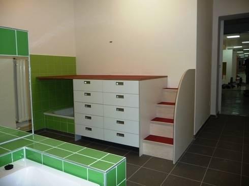 Umbau In Eine Kindertagesstätte In Berlin Charlottenburg   Wickeltisch:  Moderne Badezimmer Von Schenning