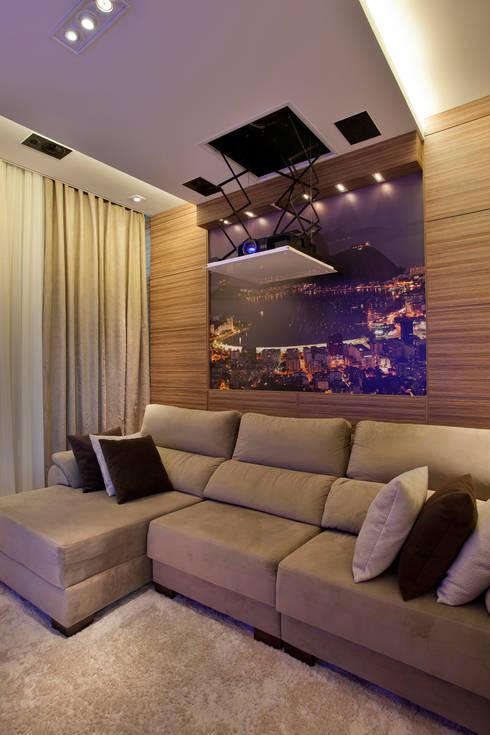 Arquiteto Aquiles Nícolas Kílaris: modern tarz Multimedya Odası