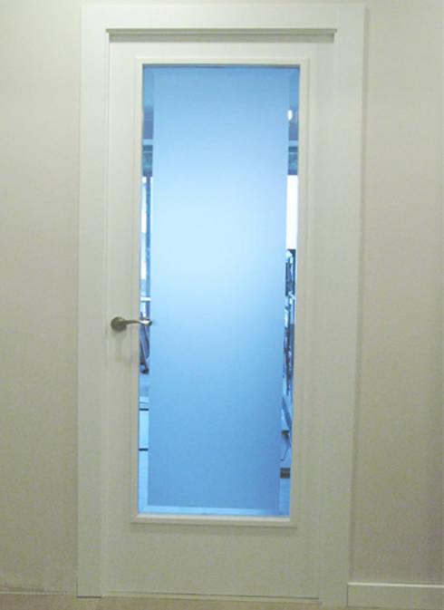 Puertas blindadas a medida con cristal de seguridad de r - Puertas de salon con cristal ...