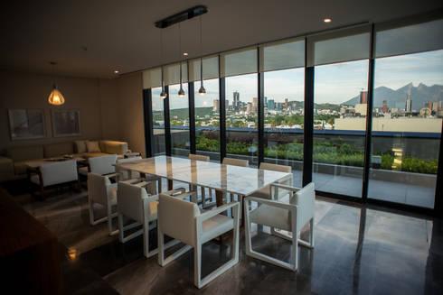 The WHITE ROOM: Edificios de Oficinas de estilo  por NEST