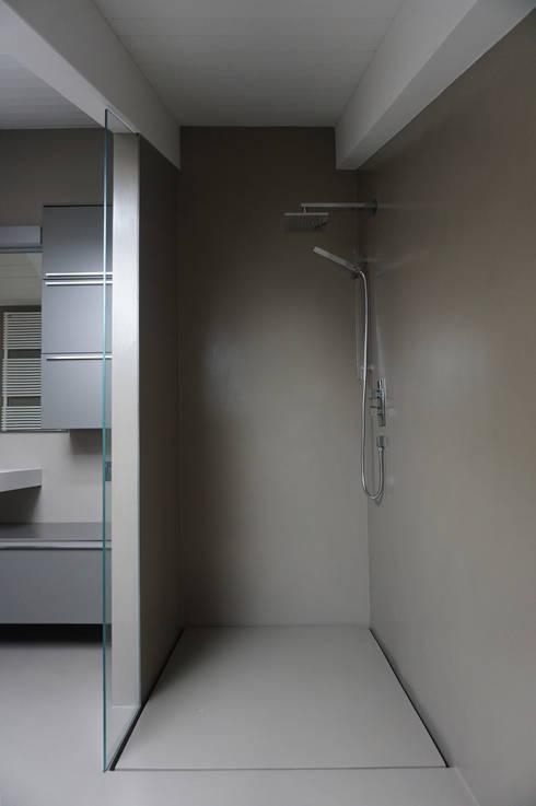 moderne Badkamer door Plus Concept Studio