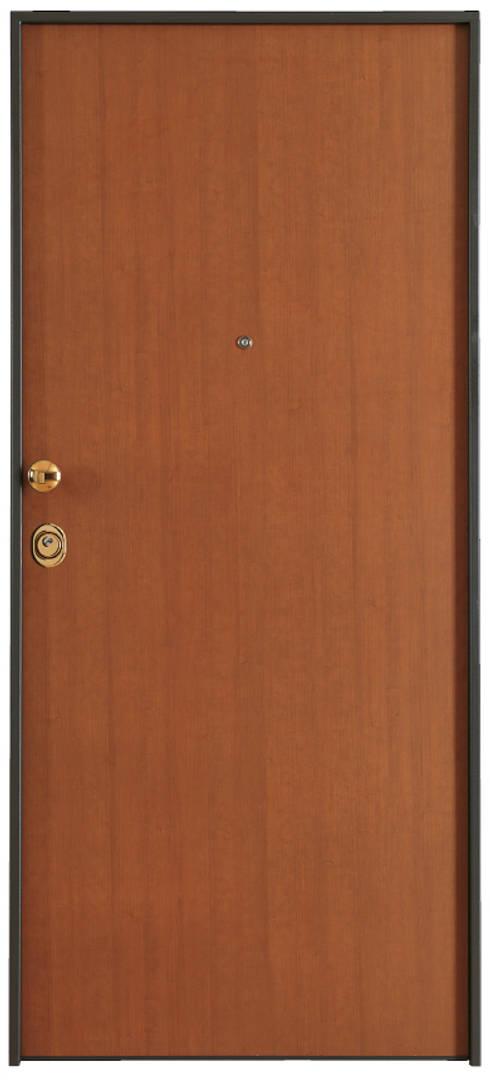 Porta Blindata - Corazzata Designer1995 Arredamento: Finestre & Porte in stile  di STUDIO ARCHITETTURA-Designer1995