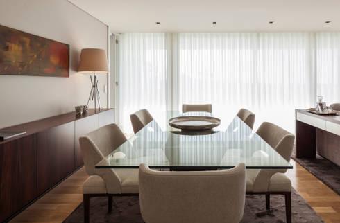 ANDAR MODELO GAIA 2014: Sala de jantar  por Filipa Cunha Interiores