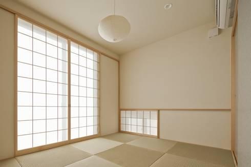 東松山の家: 株式会社FAR EAST [ファーイースト]が手掛けた寝室です。