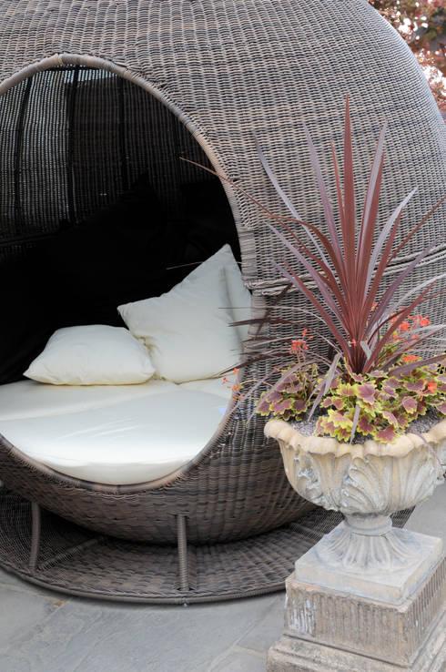 Cocoon: Giardino in stile in stile Moderno di Anna Paghera s.r.l. - Green Design