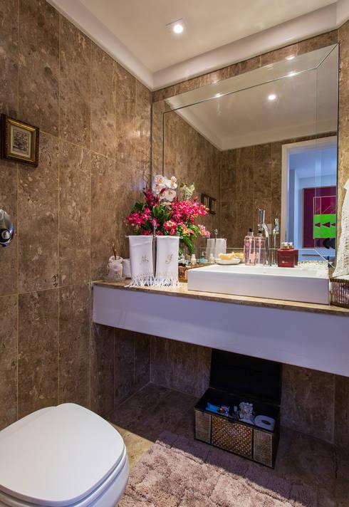 Lavabo: Banheiros clássicos por Bruno Sgrillo Arquitetura