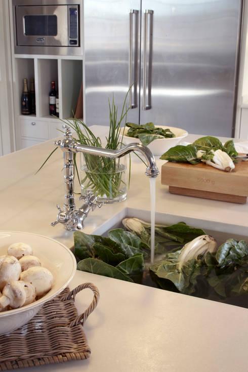Keuken door DEULONDER arquitectura domestica