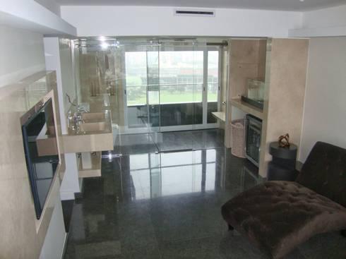 Libertador 2012: Baños de estilo moderno por Hargain Oneto Arquitectas