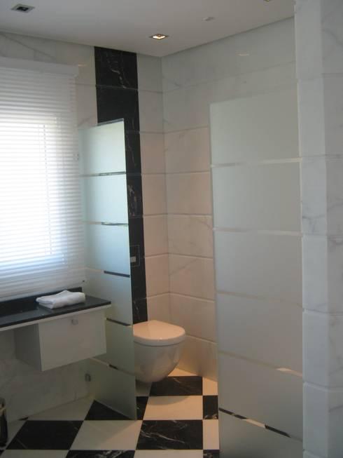 Badkamer door UAArquitectos