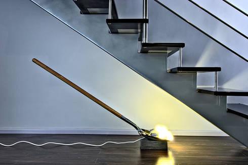Light Digging lamp: Hogar de estilo  por Natural Urbano