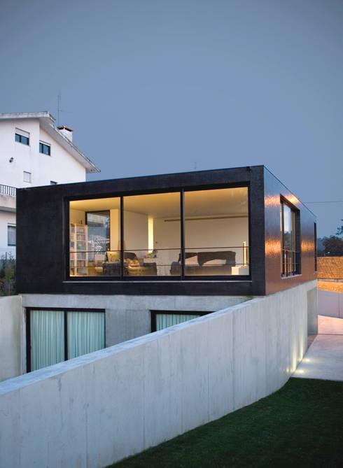 Casa de Moleiros: Casas modernas por GRAU.ZERO Arquitectura