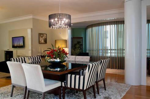 Apartamento Beiramar FL: Salas de jantar modernas por KARINA KOETZLER arquitetura e interiores