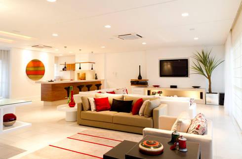 Apartamento Beiramar FL-3: Salas de estar modernas por KARINA KOETZLER arquitetura e interiores