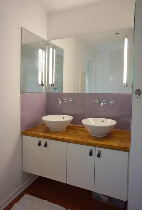 Modernisierung Ferienhaus <q>Am Steinhuder Meer</q>: landhausstil Badezimmer von Cousin Architekt - Ökotekt